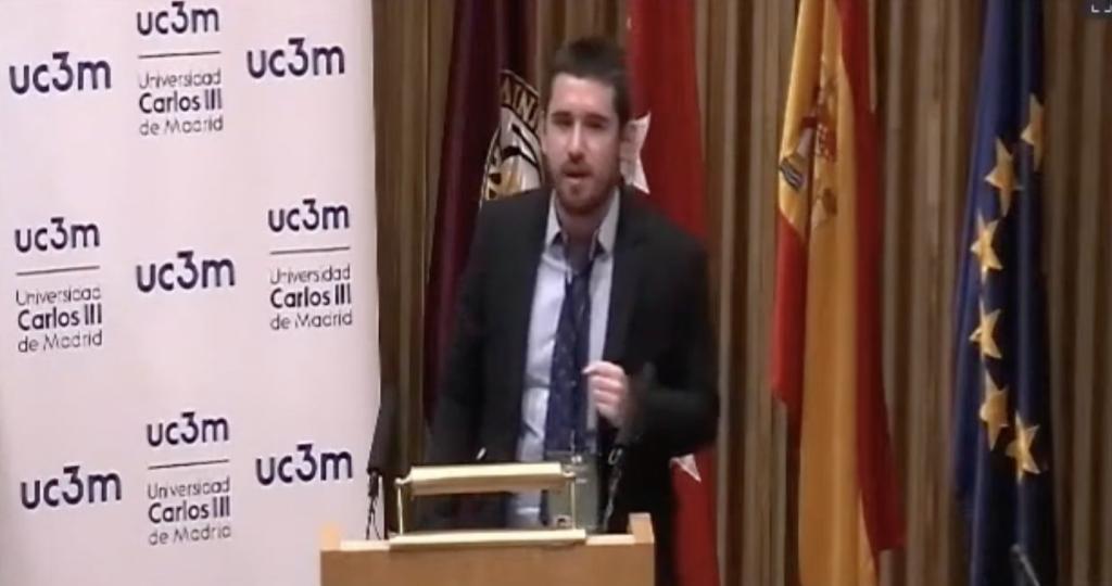 Adrián Fernández Rivas, del equipo de la Universidad Carlos III de Madrid, ha sido proclamado con el premio al Mejor Orador de la LEDU