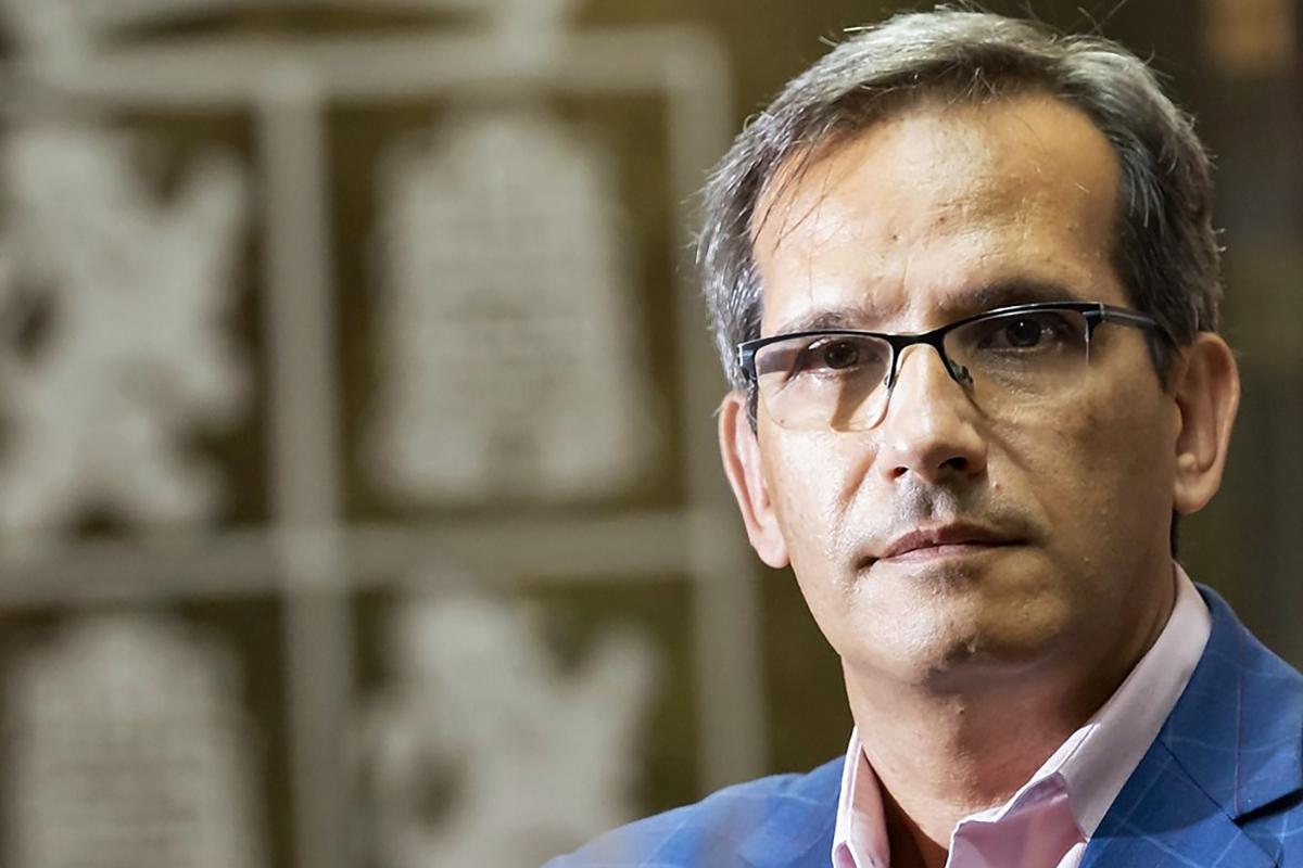 Embajador Augusto Cobos Liga Española de Debate Universitario