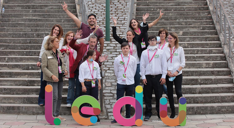 Voluntarios de Down Madrid en la LEDU